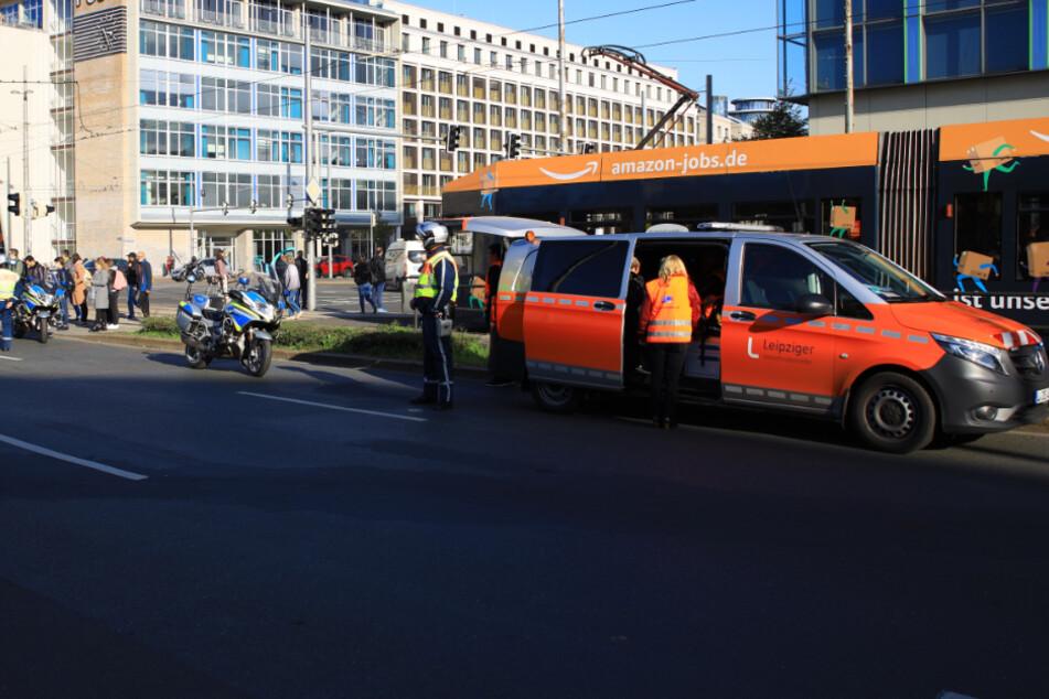 Unfall auf dem Leipziger Augustusplatz: Fußgängerin von Bahn erfasst!
