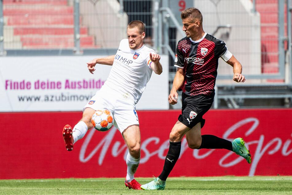 Kapitän Stefan Kutschke (r.) verlor mit dem FC Ingolstadt 04 auch das zweite Saisonspiel.