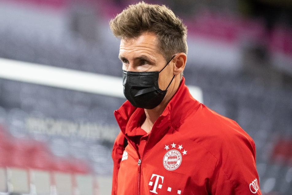 Aktuell steht er noch beim FC Bayern München unter Vertrag: Wird Miroslav Klose (42) der neue starke Mann an der Seitenlinie von Fortuna Düsseldorf?