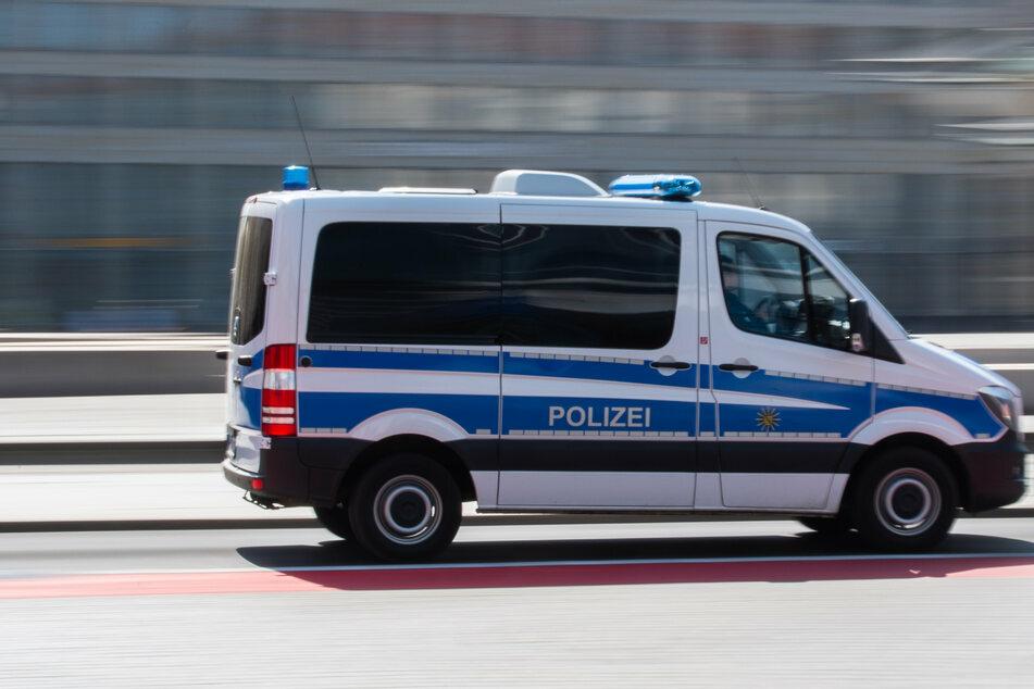 Die sächsischen Polizisten eilten zu Hilfe. Doch das Dach war bereits entfernt worden, als sie eintrafen. (Symbolbild)