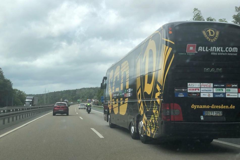 Zum zweiten Auswärtsspiel reist die SG Dynamo Dresden mit dem Bus in Richtung Westen.