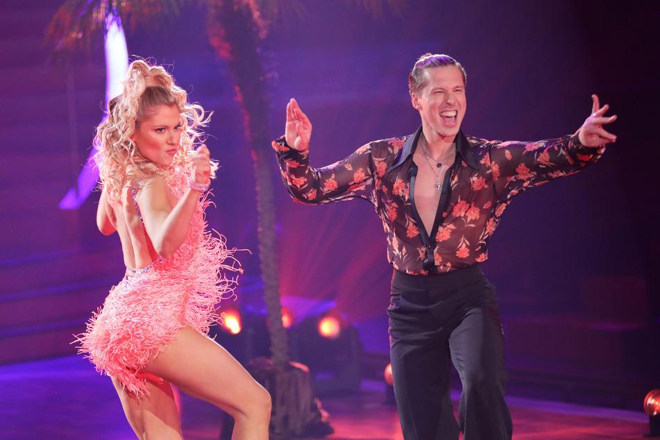 Valentina Pahde (26) und Valentin Lusin (34) ertanzten sich mit ihrer Salsa stolze 27 Punkte.