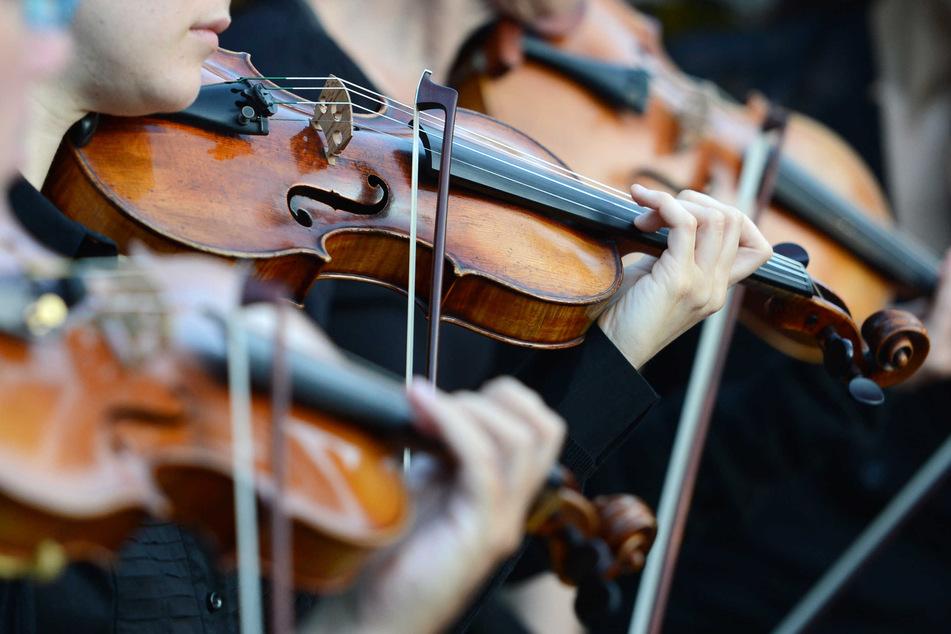 Das Deutsche Symphonie-Orchester (DSO) musiziert über Pfingsten an Land, auf dem Wasser und in der Luft. (Symbolbild)