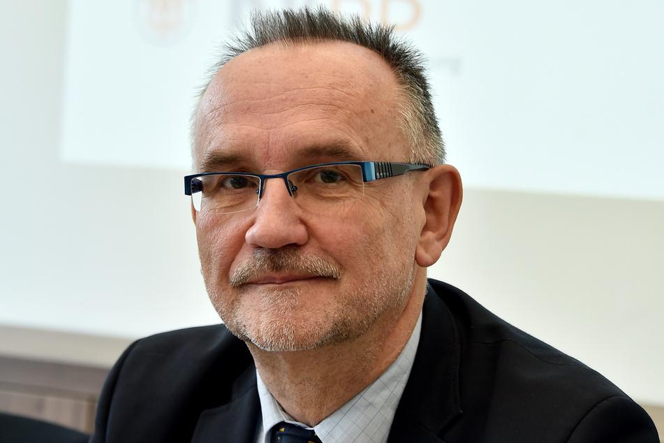 Der KVBB-Vorsitzende Peter Noack will Arztpraxen noch stärker ins Impfen einbinden.