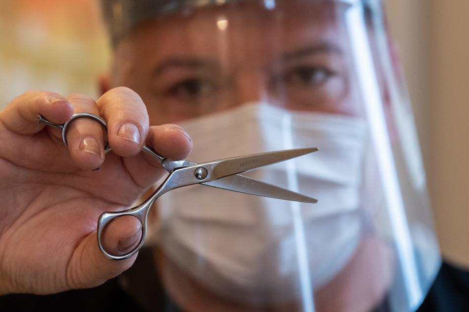 Sachsens Friseure mussten im Dezember wieder schließen. Kretschmer spricht sich dafür aus, körpernahe Dienstleistungen im Februar wieder zu öffnen.