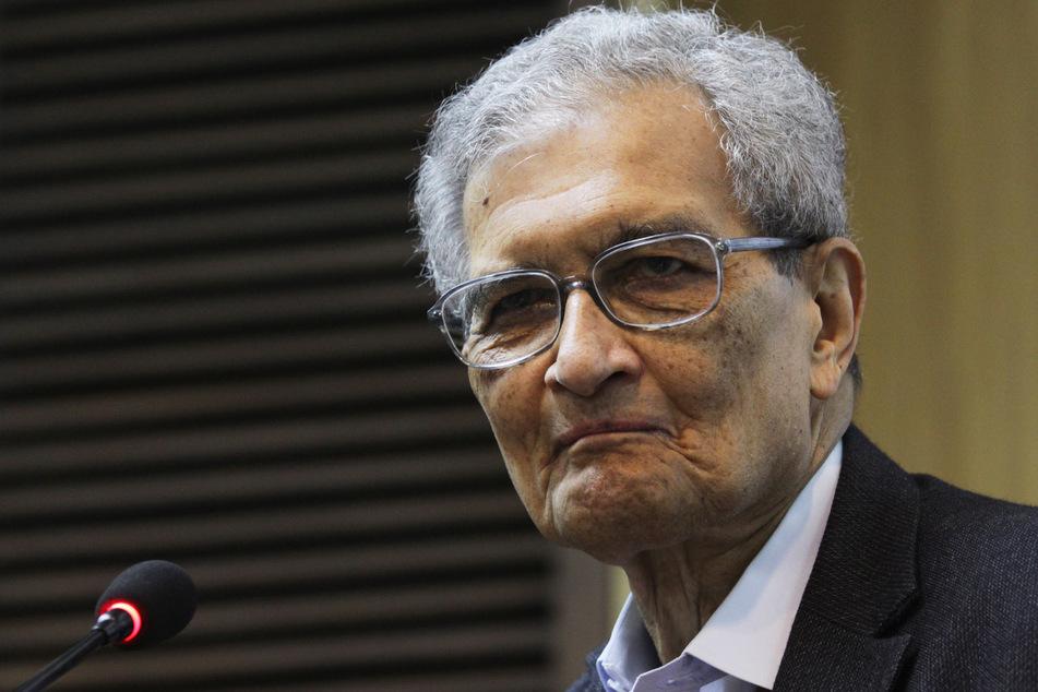 Der indische Wirtschaftswissenschaftler und Philosoph Amartya Sen (86). Sen erhält den Friedenspreis des Deutschen Buchhandels 2020. Bereits 1998 hat er den Wirtschafts-Nobelpreis erhalten.