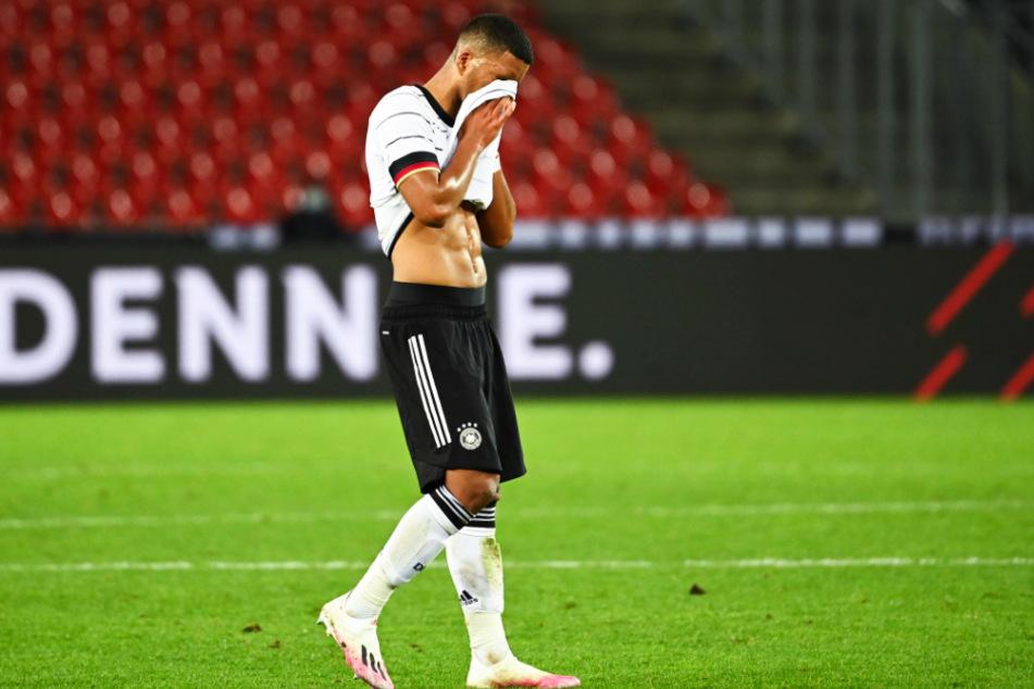 Bloß nicht hingucken! Dieses Gefühl hatte nicht nur Benjamin Henrichs (23) nach dem Länderspiel gegen die Türkei. Auch viele Fans schauen sich Auftritte des DFB-Teams nicht mehr gerne an.