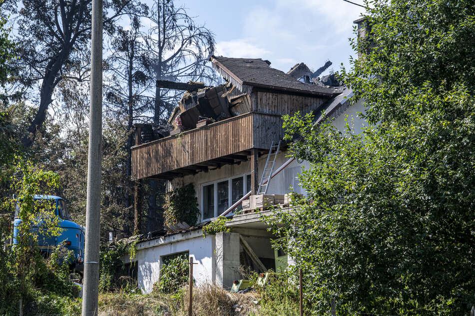 Übrig blieben in Weißbach nur rauchende Trümmer.