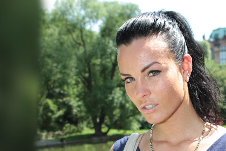 Model Christiane Schleicher (32) rief das Singlewandern im Juni mit DJ Happy Vibes ins Leben.