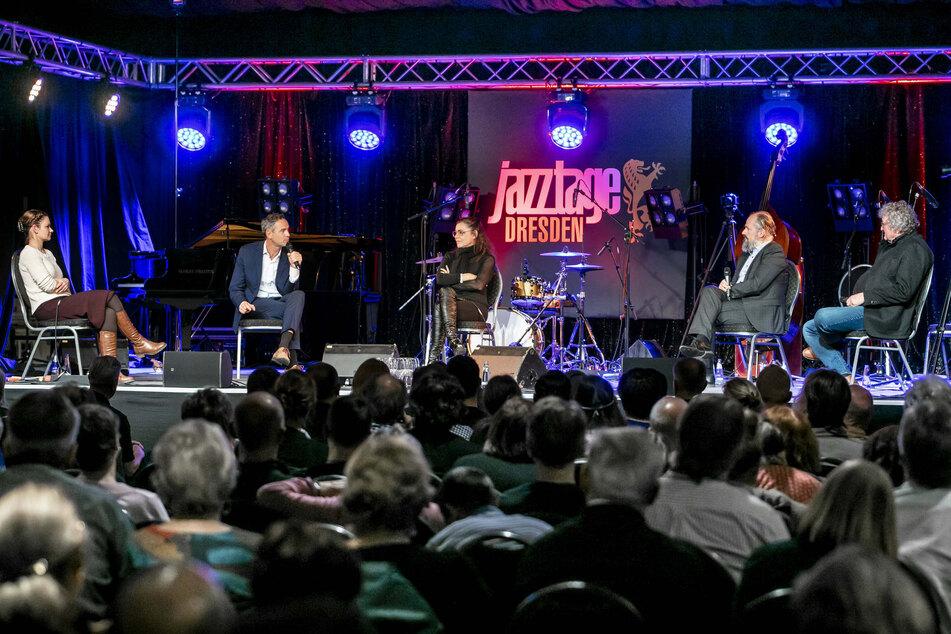 Zuschauer ohne Abstand und Maske: Jazztage Dresden in der Kritik