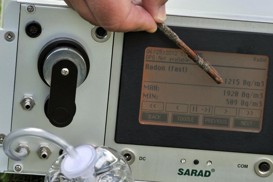 Ein Radon-Messgerät zeigt eine enorme Konzentration des Gases an - eine unsichtbare Gefahr (Archivbild).
