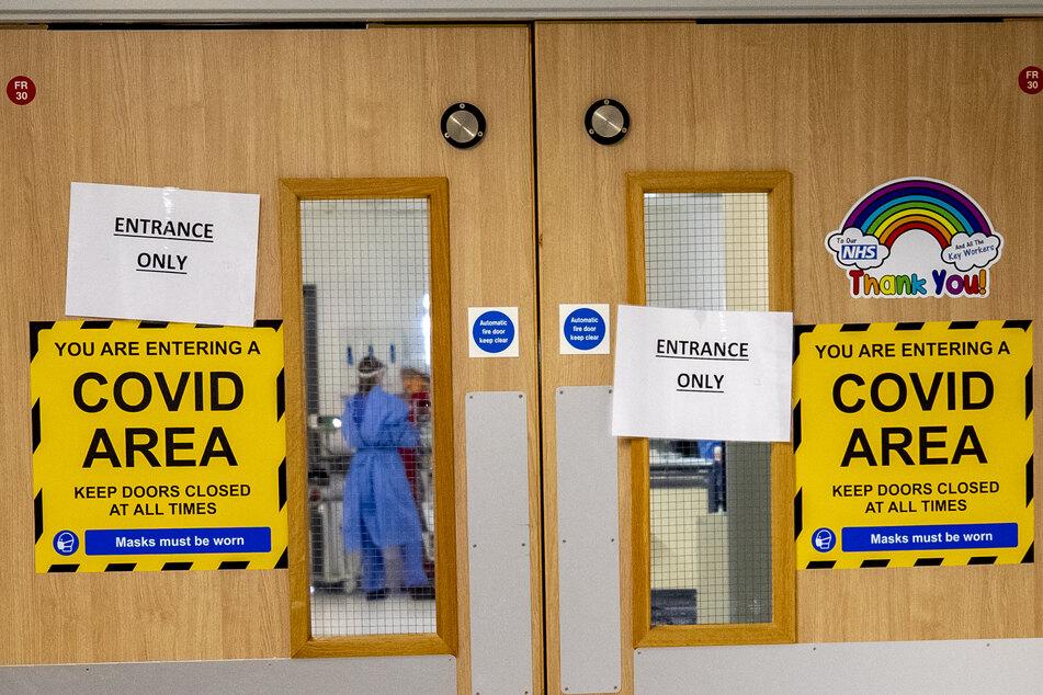 Der Eingang zu einer von fünf Covid-19-Stationen im Whiston Hospital.