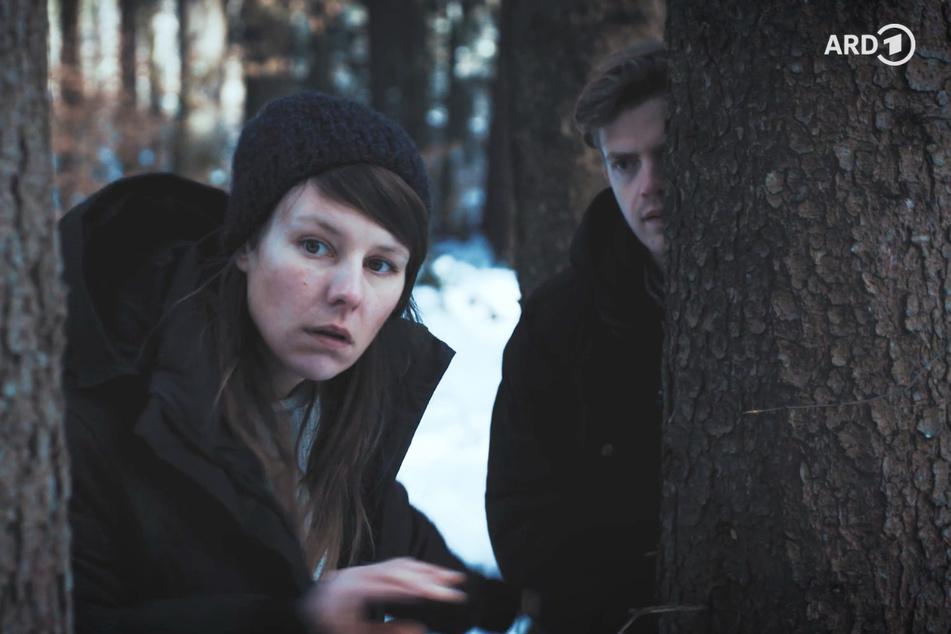 """Im ersten interaktiven """"Tatort"""" verkörpert Ferdinand Hofer (28, r.) die Hauptfigur. In """"Höllenfeuer"""" geht es um Terror im Umfeld des Oktoberfests."""