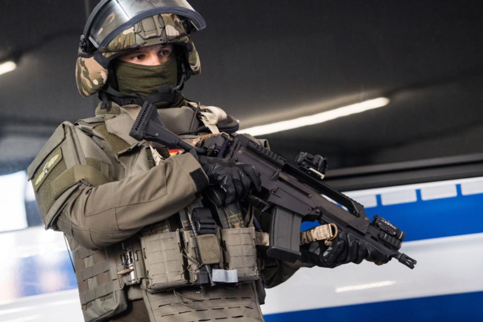 SEK-Einsatz: Nachbar stellt Obermieterin bewaffnet wegen Lärms zur Rede