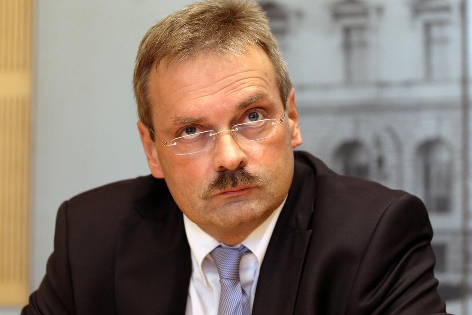 Oberstaatsanwalt Dirk Feuerberg geht davon aus, dass gegen den Verdächtigen mehrere Anklagepunkte erhoben werden können.