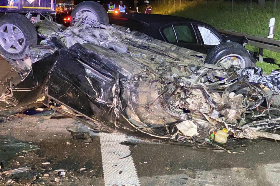 Tödlicher Unfall auf A9: Wagen überschlägt sich, Mann aus Auto geschleudert