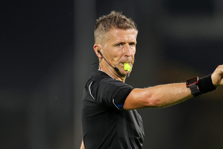 Schiedsrichter Daniele Orsato pfeift das Champions-League-Finale.
