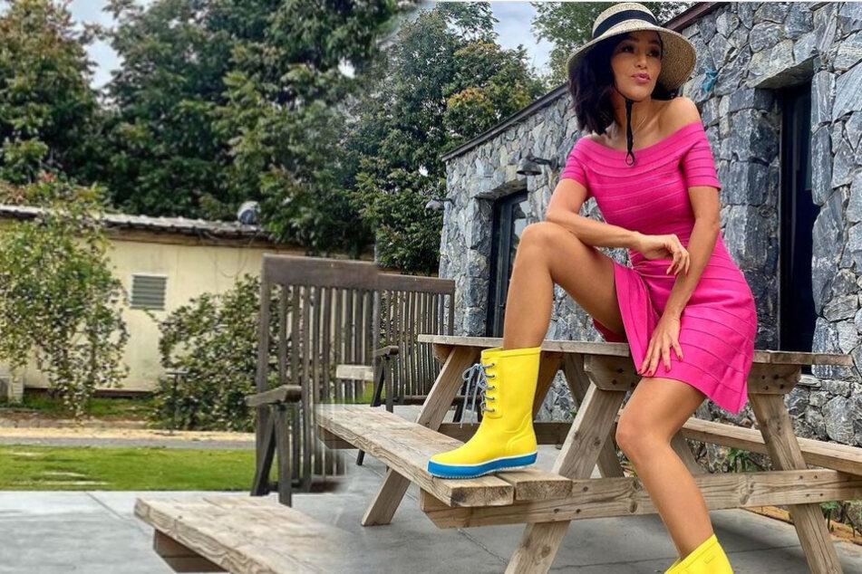 Verona Pooth: Lange Beine, grelle Farben: Sexy mit 52 Jahren!