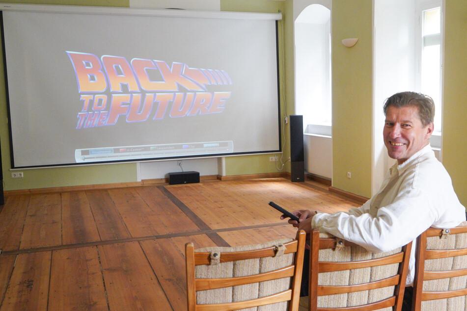 Klein aber fein: In Sebastian Flämigs (49) Mini-Kino passen knapp 40 Besucher.