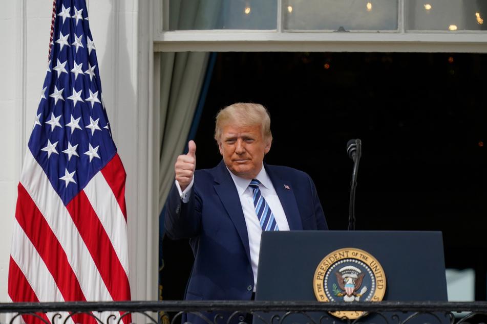 US-Präsident Donald Trump (74) zeigt den Daumen nach oben, selbst die Taliban stehen nun hinter ihm.