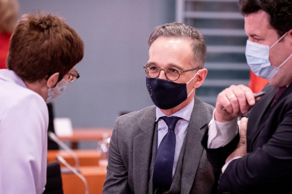 Bundeskabinett befürwortet geschlossen drastische Kontaktbeschränkungen