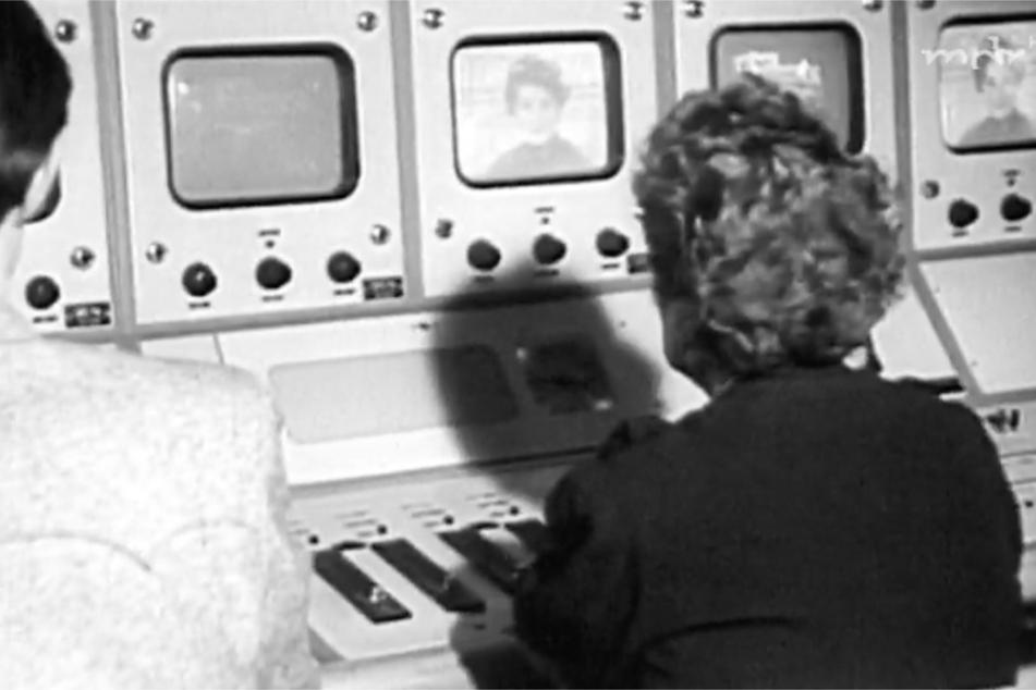 Der Deutsche Fernsehfunk ging 1952 auf Sendung. Anfangs lag der Programmschwerpunkt auf Bildung, Kultur und Information – alles im Sinne des Sozialismus.