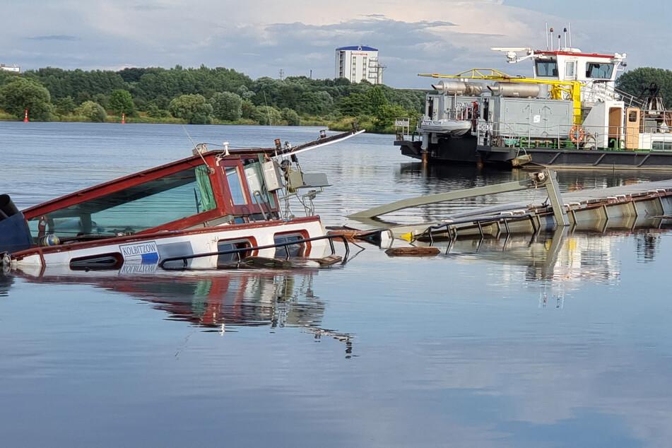 Nach Schiffsunglück auf der Weser: Helfer kämpfen gegen Ölpest