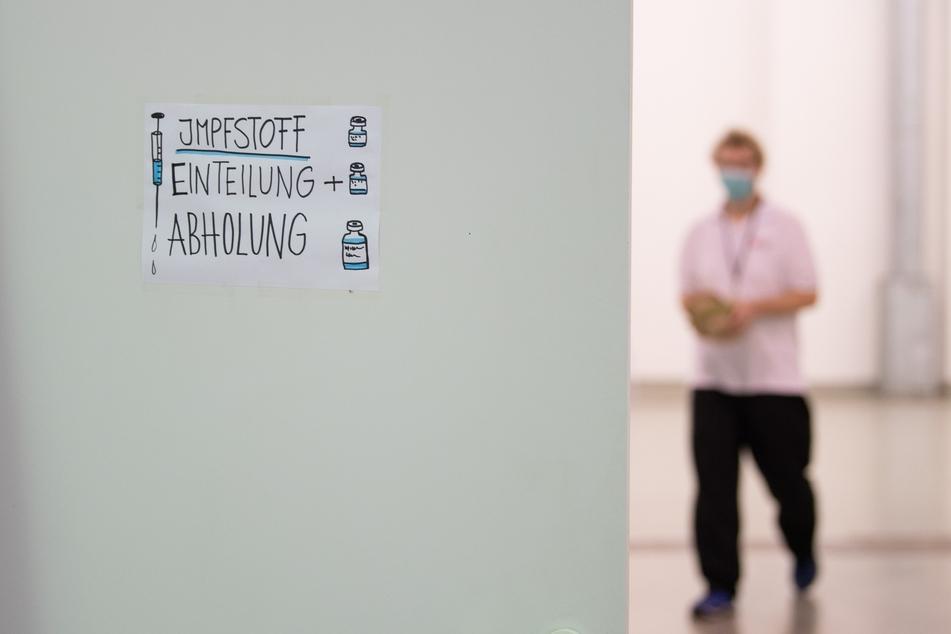 Das Impfzentrum für Dresden befindet sich in der Messe. Den Piks erhält man nur nach einem vorher vereinbarten Termin!