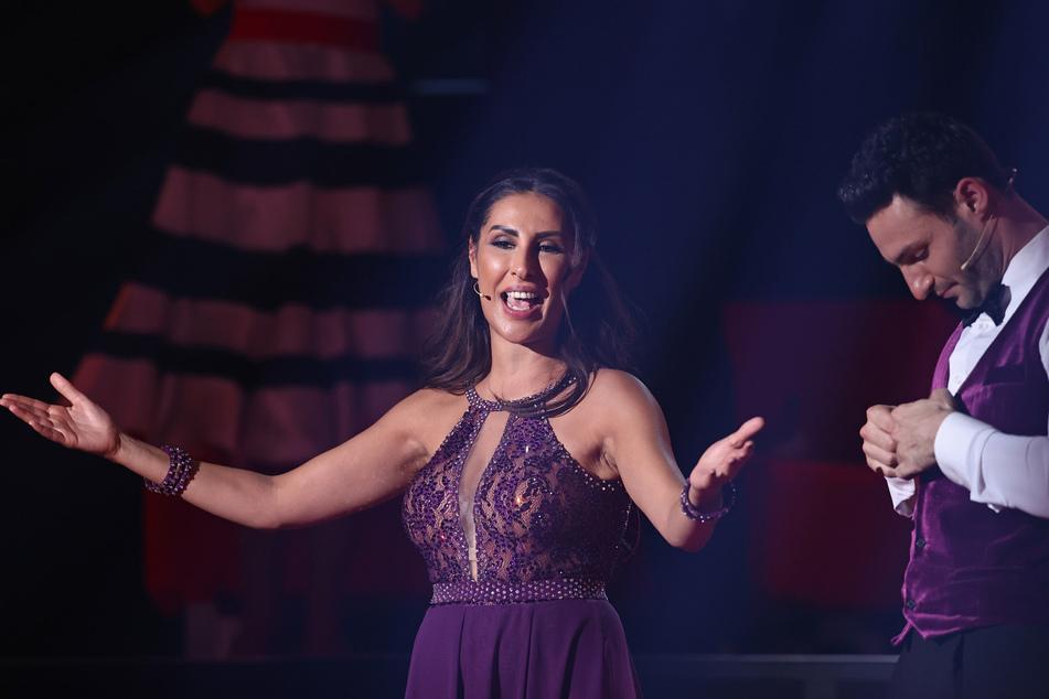 """Senna Gammour (41), Sängerin, verabschiedet sich am Ender der dritten Runde der RTL-Tanzshow """"Let's Dance"""", nachdem die Jury bestimmt hat, dass sie die Show verlassen muss."""