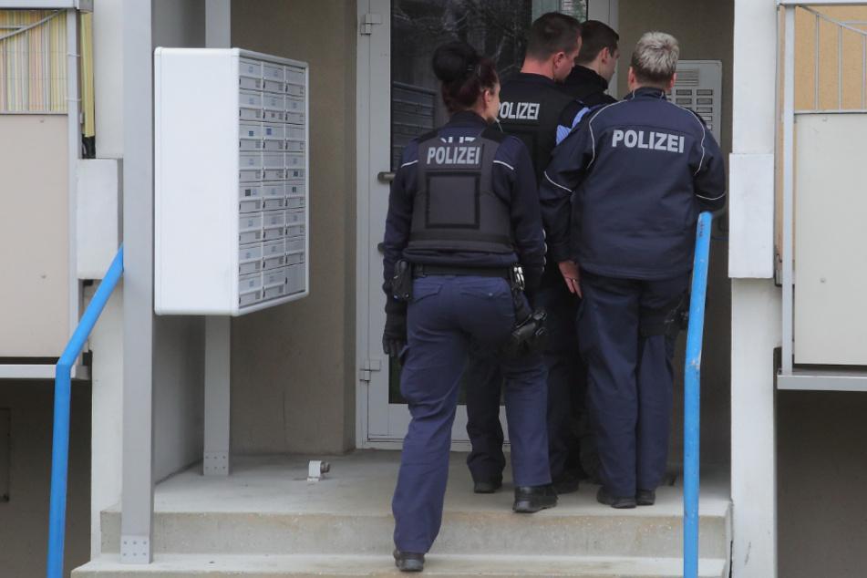 Dresden: Laute Party: Rentner bedroht Nachbarn mit Pistole, vier Verletzte
