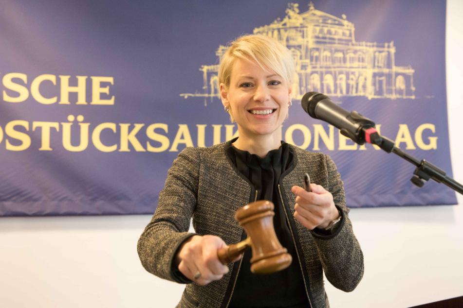 Katja Müller-Pflugbeil (41) von den Sächsischen Grundstücksauktionen.