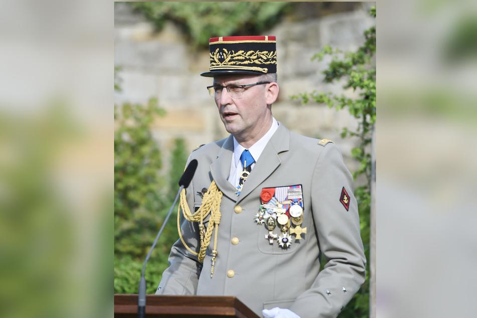 Generalmajor Jean-Pierre Metz, Verteidigungsattaché bei der französischen Botschaft in Berlin, hielt ein Grußwort.