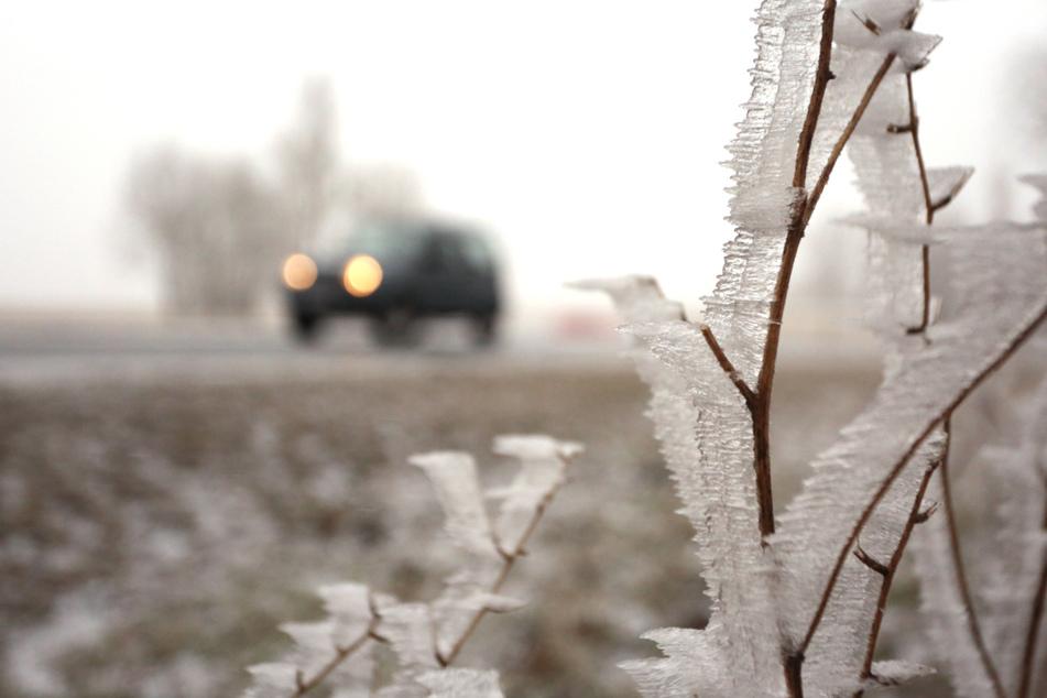 Vorsicht auf Thüringens Straßen! Schnee und Regen sorgen für erhöhte Glatteisgefahr