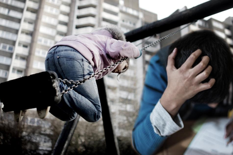 familienratgeber: Schreckliche Zahlen veröffentlicht: Wieso ist die Kinderarmut bei uns so hoch?