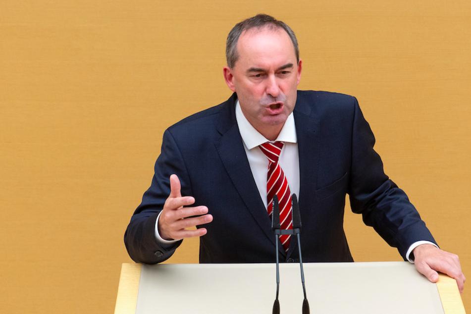 Hubert Aiwanger (49, Freie Wähler), glaubt nicht an eine rein wissenschaftliche Suche nach einem Atommüll-Endlager.
