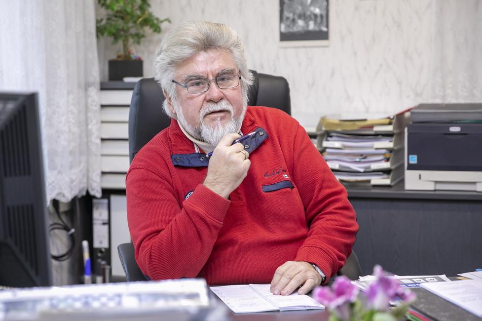 Bereits seit über 40 Jahren im Amt: Franz Brußk (67, CDU) begann seine Karriere 1974 als stellvertretender Bürgermeister in Räckelwitz.