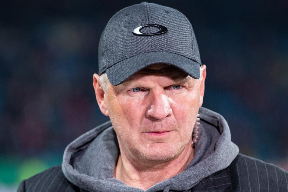 Stefan Effenberg (52) hat seinen Ex-Klub, den FC Bayern München, für die Rückholaktion von Douglas Costa (30) überaus deutlich kritisiert.