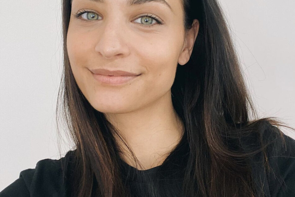 Die gebürtige Österreicherin Amira Pocher (28) nimmt zusammen mit ihrem Ehemann Oliver Pocher einen Podcast auf und beweist oftmals ihre Schlagfertigkeit.