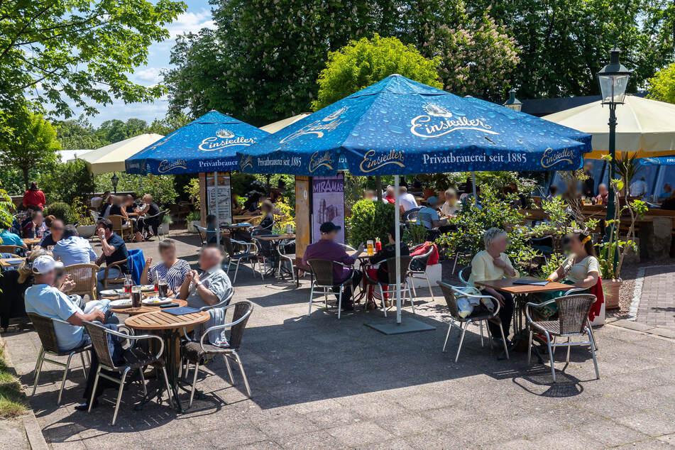 Ab Pfingstmontag könnten die Chemnitzer wieder im Biergarten sitzen.
