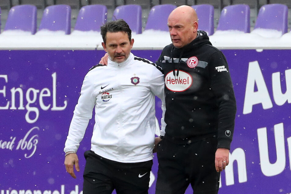 Aues (Ex-?)Coach Dirk Schuster (53, l.) und Fortuna-Trainer Uwe Rösler (52) sind dicke Kumpel.