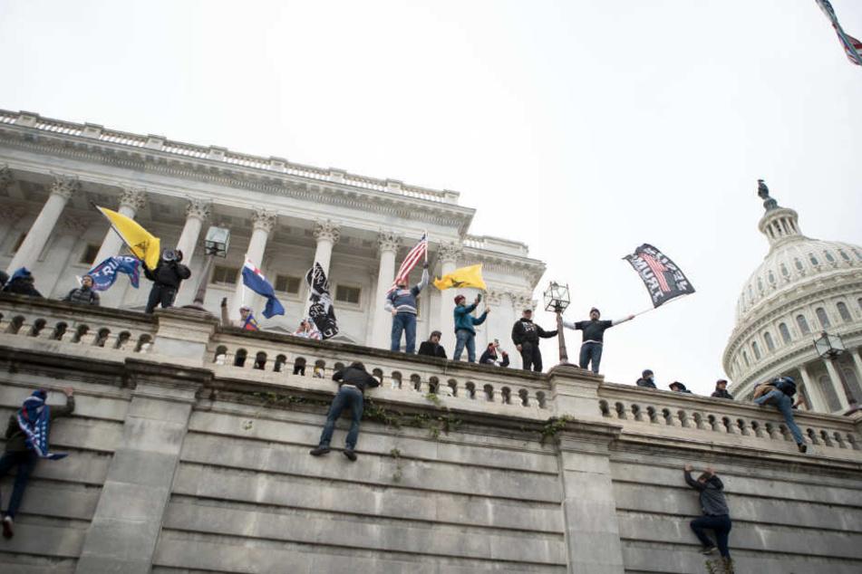 Geschockt: So reagieren Politiker auf den Kapitol-Sturm in den USA