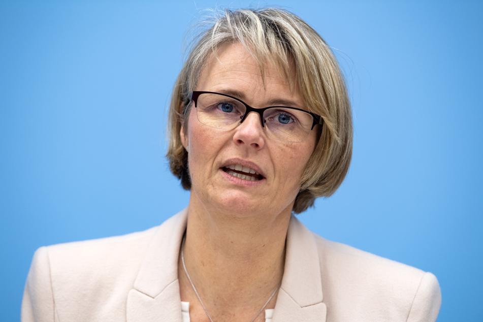 Bundesbildungsministerin Anja Karliczek (48, CDU) hat Hilfen für Studierende angekündigt.