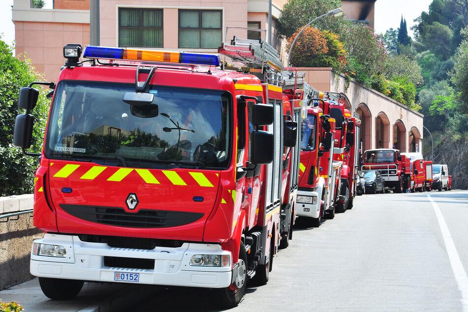 Die Feuerwehr musste in Marseille einen Brand in einem Hochhaus bekämpfen. Drei Menschen starben, als sie sich selbst retten wollten. (Symbolbild)