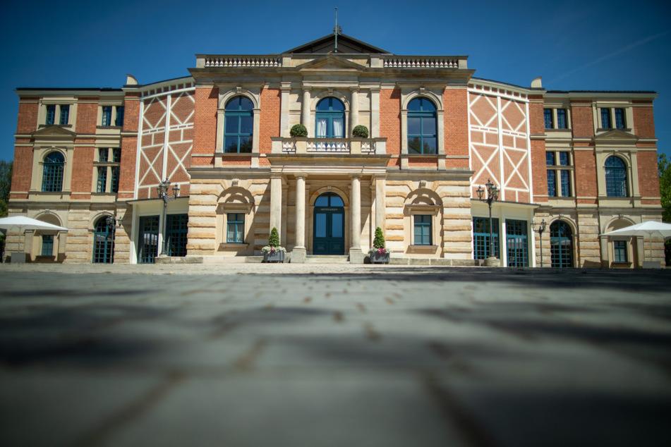 Die Sanierung des Richard-Wagner-Festspielhauses ist deutlich teurer geworden als geplant.