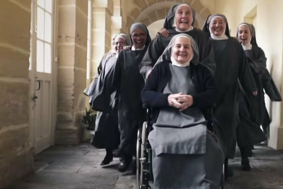 Nun fun in France: sisters take YouTube by storm