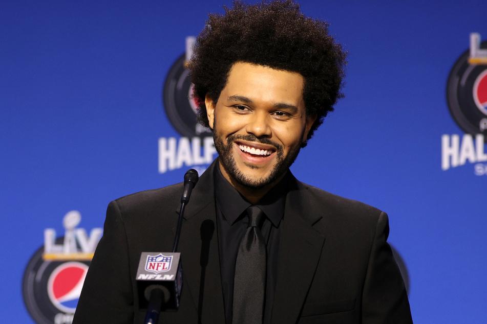 The Weeknd (30) hat keine Kosten und Mühen gescheut, um die diesjährige Halftime-Show unvergesslich zu machen.