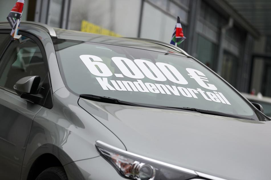 Autokauf aktuell: Der Umsatz ist um etwa 80% eingebrochen.