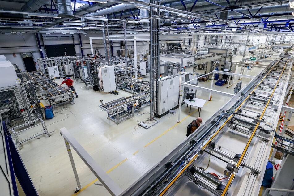 In Freiberg laufen die Vorbereitungen für einen Solar-Neustart: Meyer Burger will zunächst Solaranlagen für Dächer von Eigenheimen, aber auch für kleinere Kraftwerke bauen.