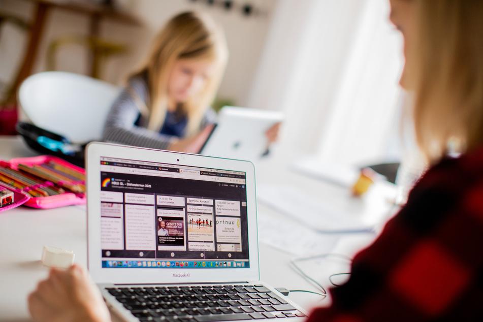 München: Studi-Initiative gibt Nachhilfe für Schüler im Distanzunterricht