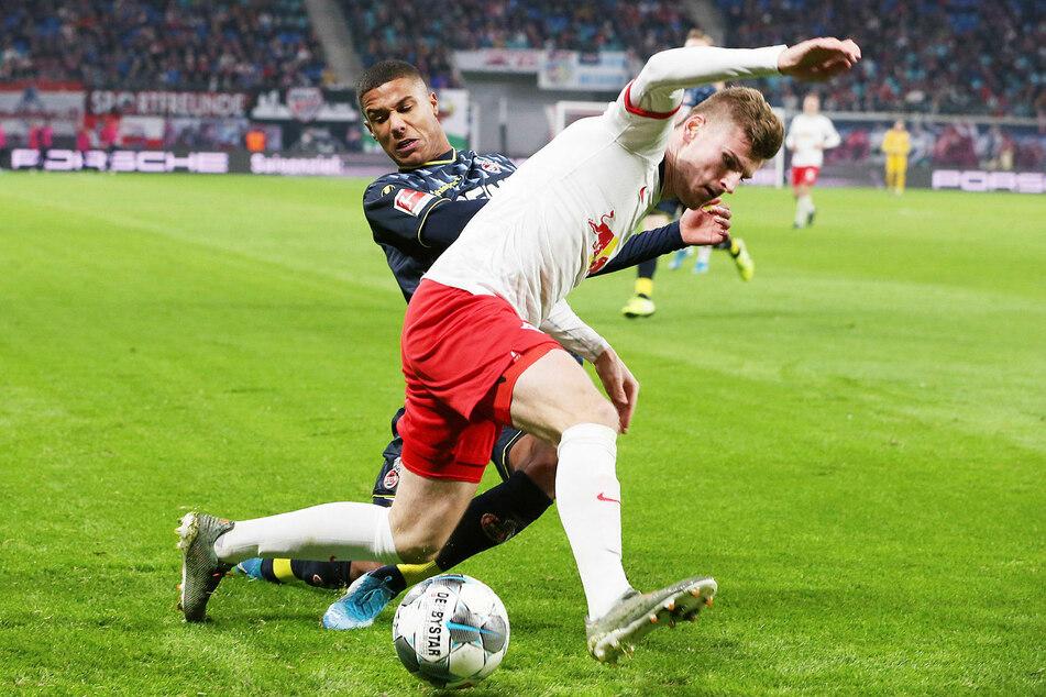 In der Hinrunde konnte sich RB Leipzig daheim mit 4:1 gegen den FC durchsetzen (hier Ismail Jakobs, l., gegen Timo Werner).